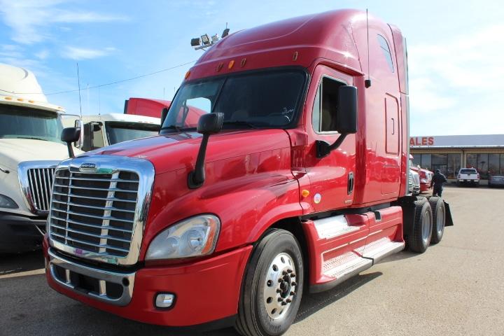 2012 Freightliner Cascadia 1FUJGLBGXCSBN0407 - Commercial Truck Inspection 006